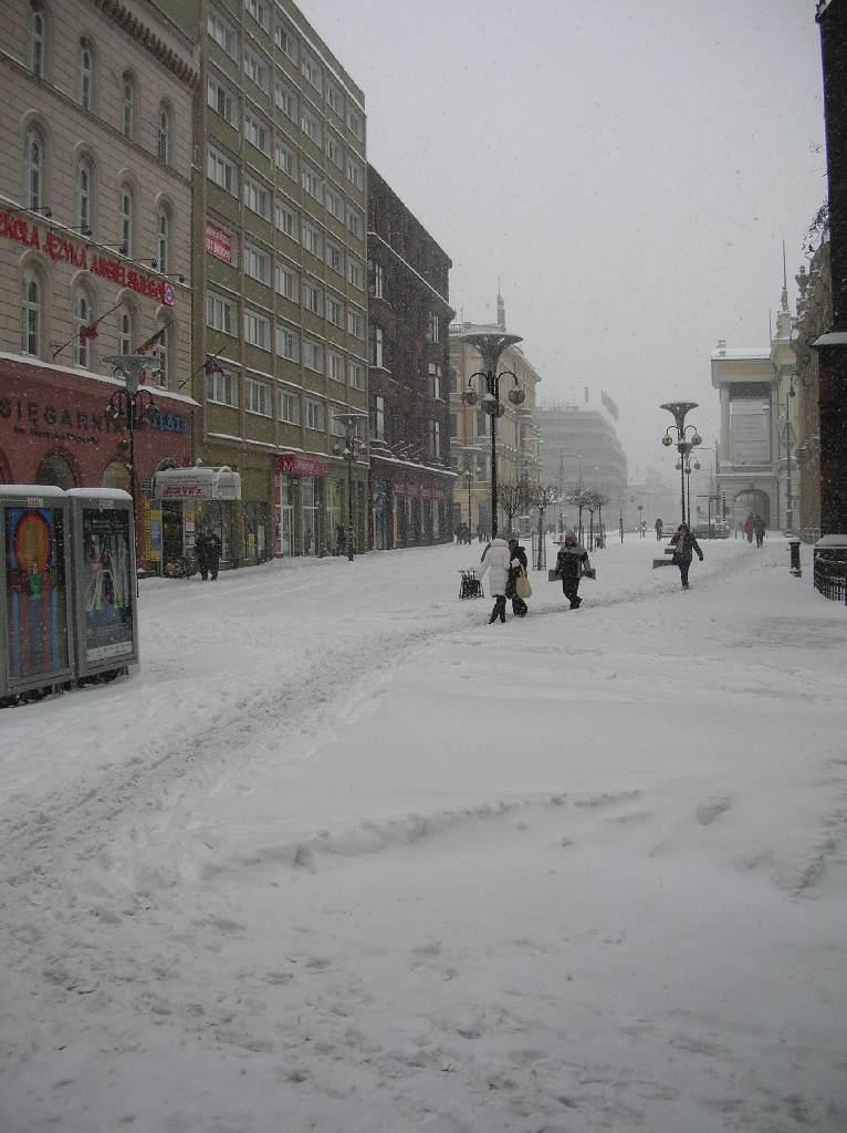 Ulica Świdnicka w śniegu