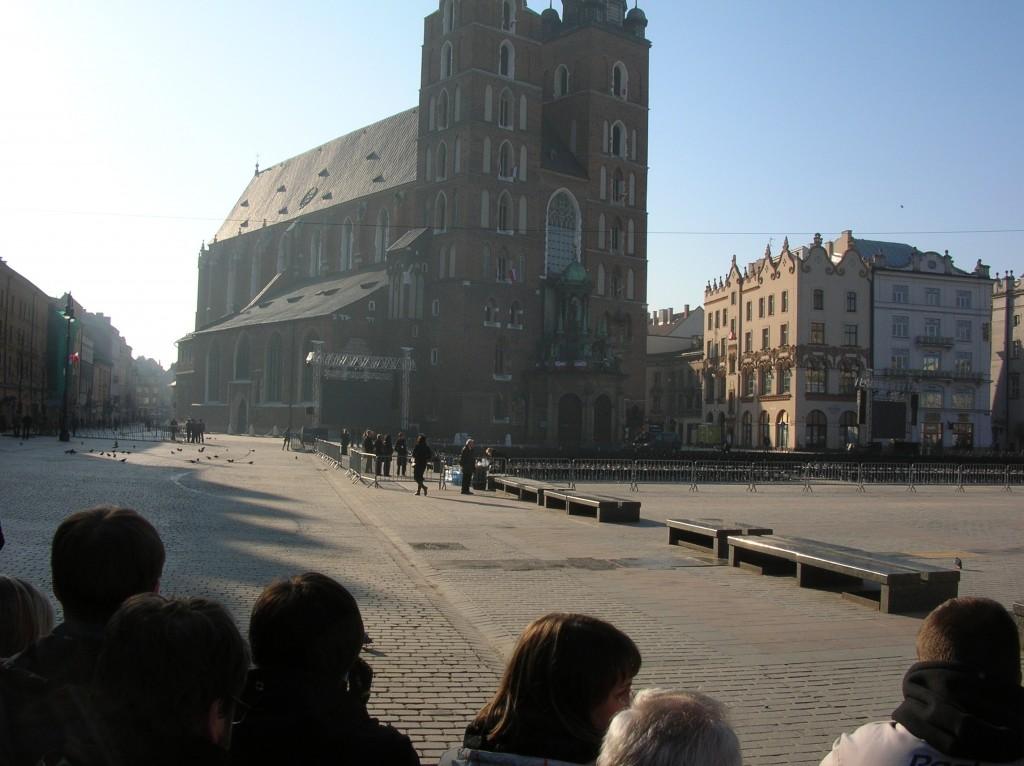 Rynek pod bazyliką, godzina 07:42