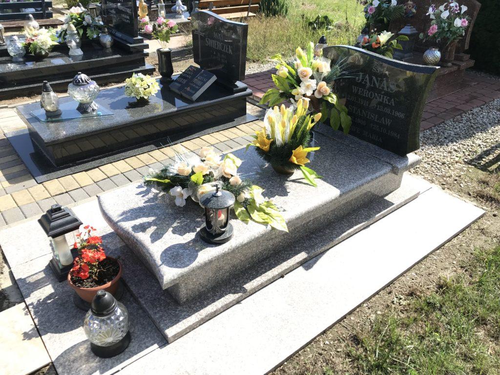 nowy grób cioci Weroniki w Lipkach; fot. MR