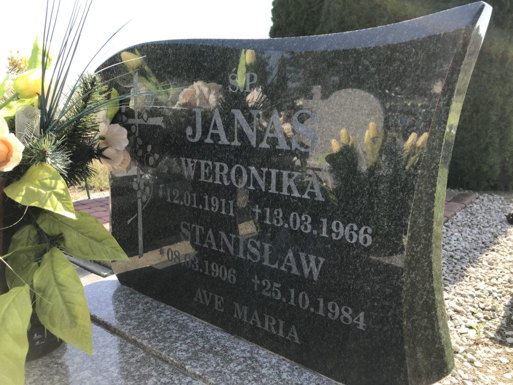 nowy grób cioci Weroniki w Lipkach (2); fot. MR