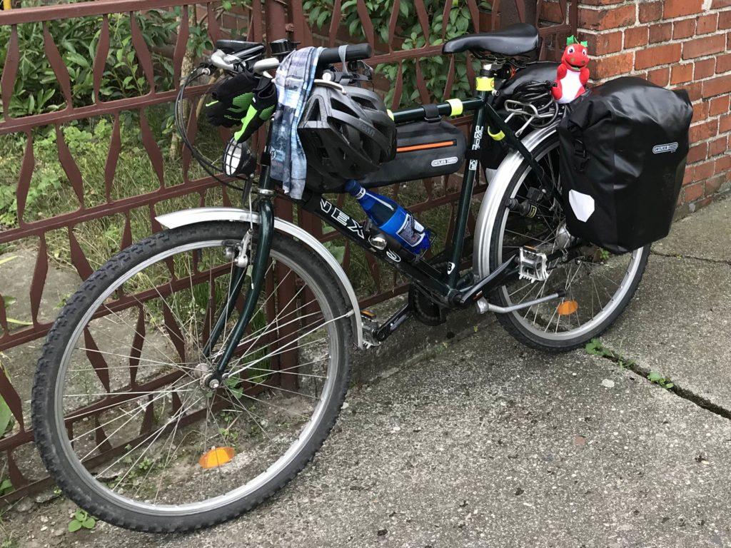 mój amatorski rower i ekwipunek; fot. MR